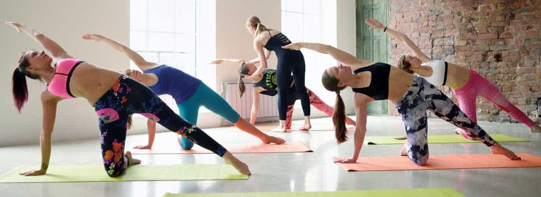 Fitnessstudio für Frauen - Frauen sind am tranieren